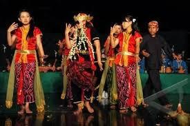TARI-Tradisional-Sintern-Khas-Daerah-Jawa-Tengah