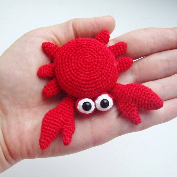 https://www.etsy.com/listing/119069591/pdf-pattern-crochet-amigurumi-toy-little?ref=favs_view_6