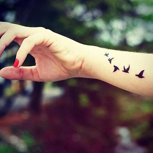 fly birds tattoo on wrist uçan kuşlar bilek dövmesi