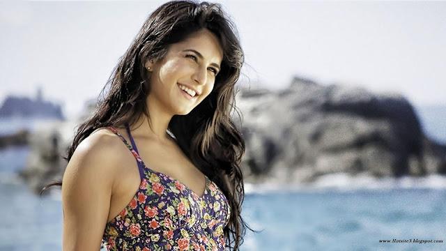 Katrina hot smile - Katrina smiling photo