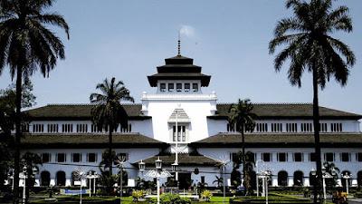 Gedung Sate bangunan bersejarah di kota Bandung