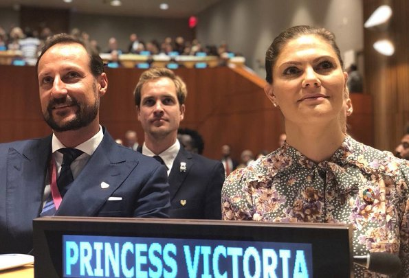 Crown Princess Victoria wore By Timo Printed Bow Dress, and By Malene Birger pumps. Princess mabel and Prince Haakon