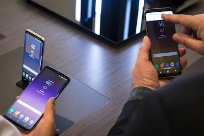 Microsoft Punya Versi Samsung Galaxy S8 Sendiri, Begini Bedanya