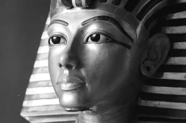 'Photographing Tutankhamun' exhibition reveals historical context behind pioneering images