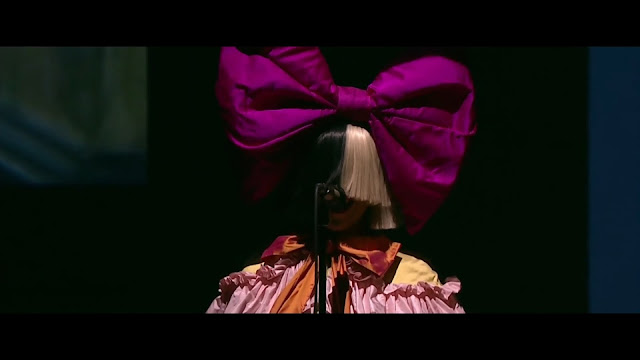 "Sia canta ""The Greatest"" en evento de Apple para presentar el iPhone 7."