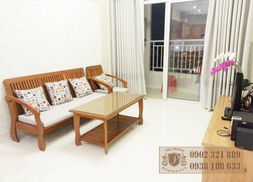 Bán căn hộ 1PN tại The Prince - sofa view bancong