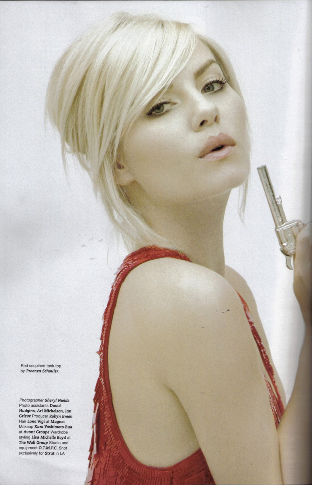 Elisha Cuthbert Latest Photos: Download Exclusive Elisha Cuthbert HomeMade Photo, Elisha
