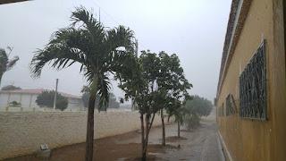 Depois de vários dias com muito calor, volta a chover na cidade de Nova Palmeira