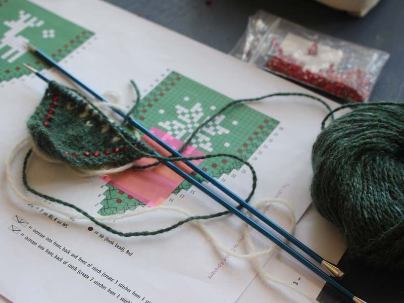Knitting Holidays In France : Knitting and crochet workshops retreats festive bunting