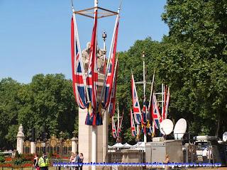 Banderas del Reino Unido en The Mall.