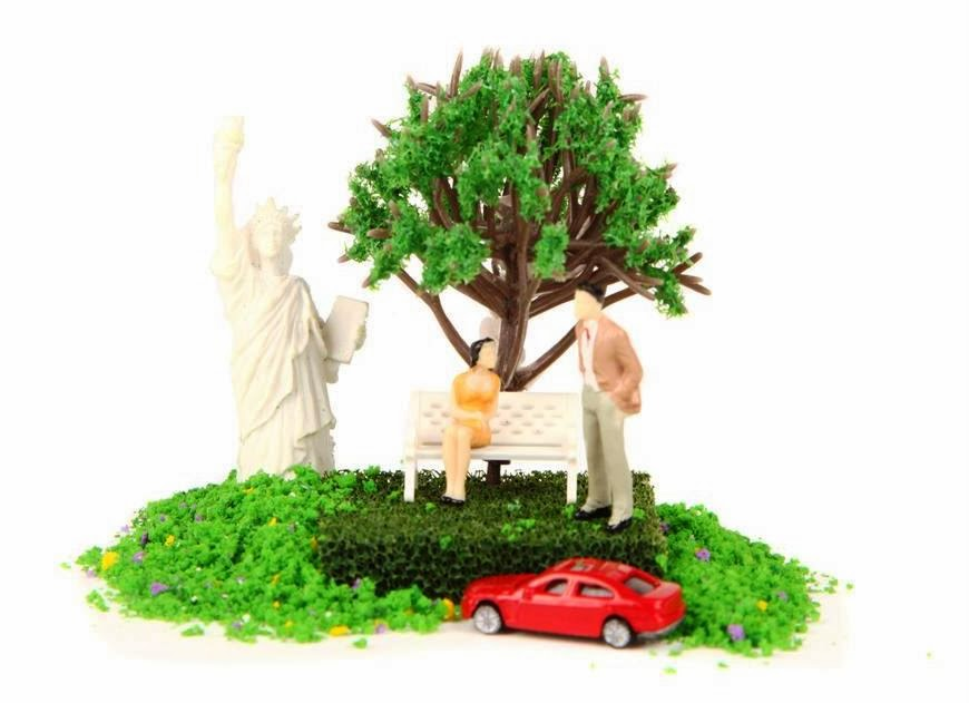 Typo terrarium kit, including staue of liberty, tree, grass, figures, park bench and car