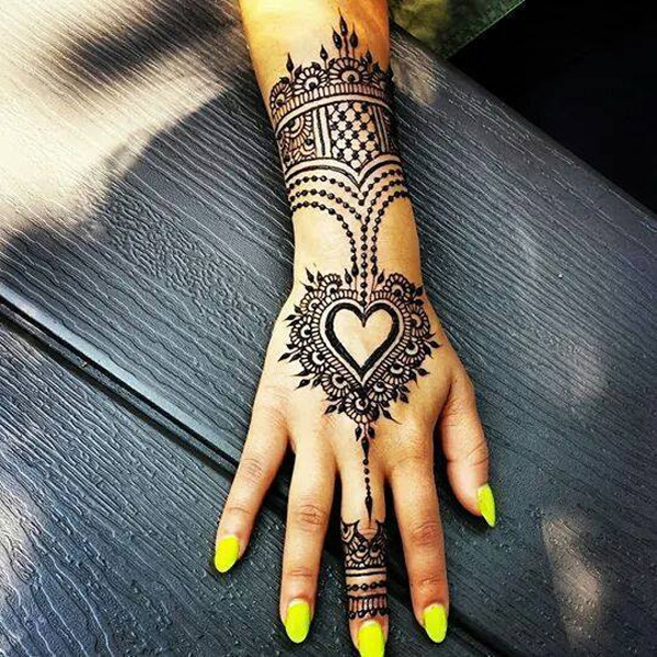 Heart Mehndi Designs For Back Hand