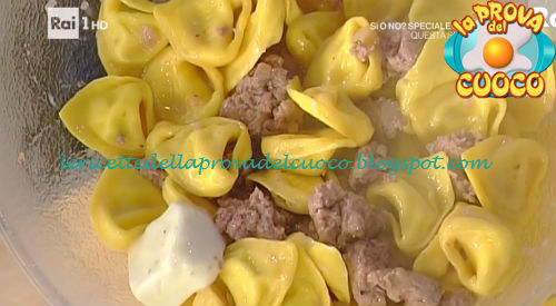 Tortelli di ricotta e noci con salsiccia ricetta Spisni da Prova del Cuoco