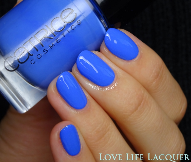 Catrice It's all I can blue swatch