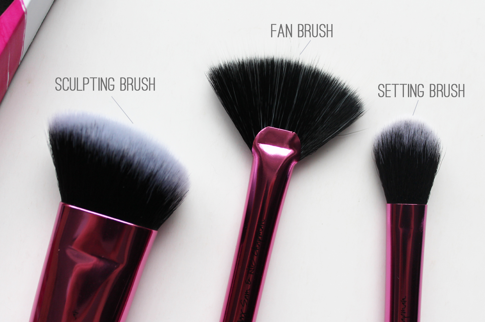 REAL TECHNIQUES | Collector's Edition Sculpting Brush Set - CassandraMyee