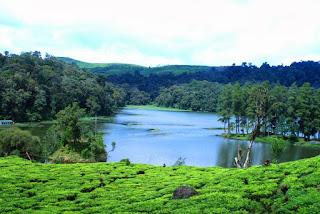 http://www.jurnalwisata.com/2017/04/danau-danau-mempesona-dengan-pulau.html