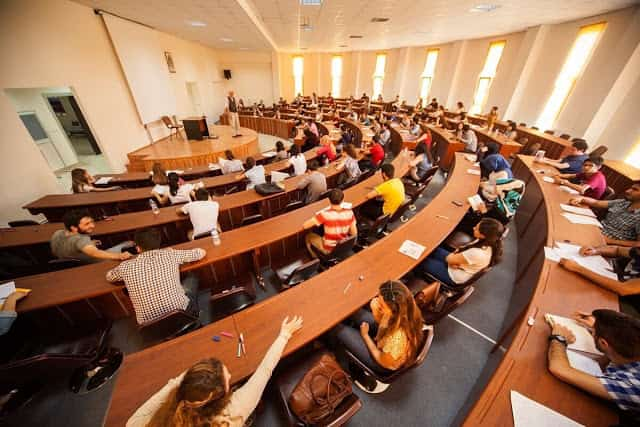 Mezunları En Hızlı İş Bulan Üniversiteler