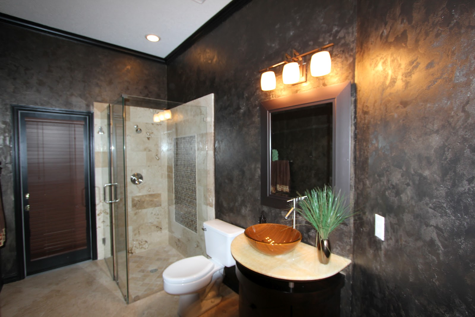 Best Wall Paint For Bathroom: Morrone Interiors: Making A Splash With A Pool Bath