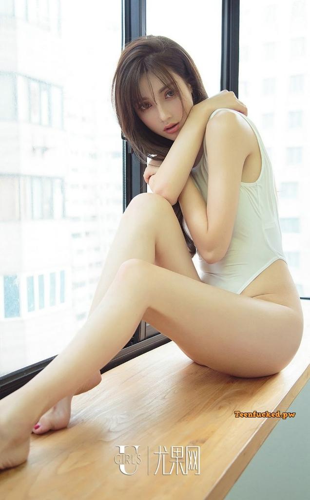 UGIRLS Ai You Wu App No.1302 Emily MrCong.com 031 wm - UGIRLS – Ai You Wu App No.1302: Người mẫu 奶茶Emily (35 ảnh)