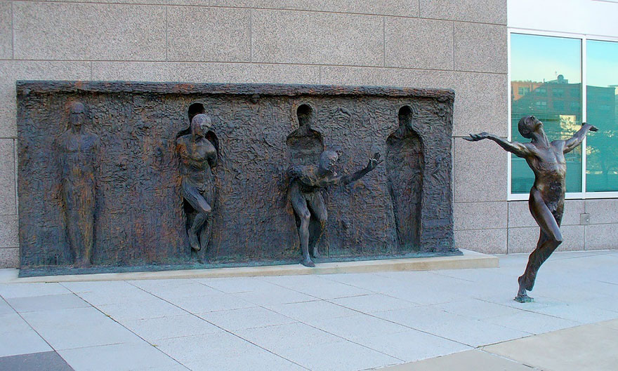 42 Of The Most Beautiful Sculptures In The World - Break Through From Your Mold By Zenos Frudakis, Philadelphia, Pennsylvania, Usa