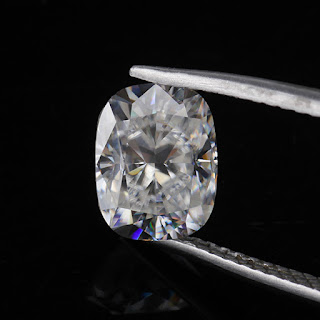 Crushed-Ice-cut Moissanite-Cushion-shape-EF-White-Color-Gemstones-suppliers