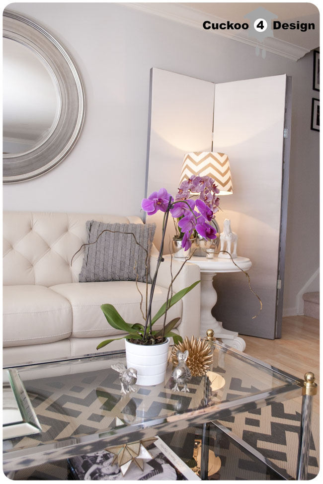 Grey Silver Living Room Decor: Brasselicious!