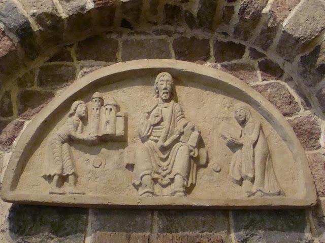 Romańska rotunda pod wezwaniem św. Prokopa w Strzelnie - rekonstrukcja tympanonu