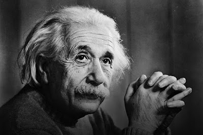 Siapakah Alebert Einstein