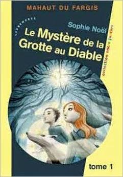 http://lesreinesdelanuit.blogspot.fr/2014/10/mahaut-du-fargis-t1-le-mystere-de-la.html