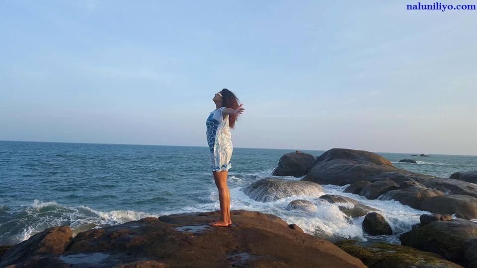 Nadeesha Hemamali beach