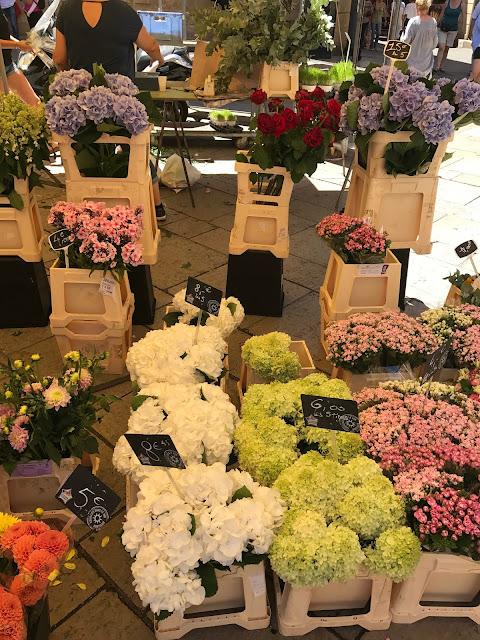 mercato fiori aix en provence