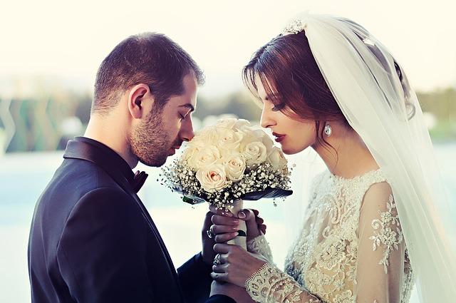 hoa cầm tay cô dâu giá bao nhiêu