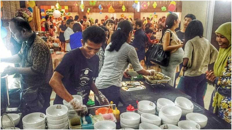 baim wong juga berbisnis catering mie ayam