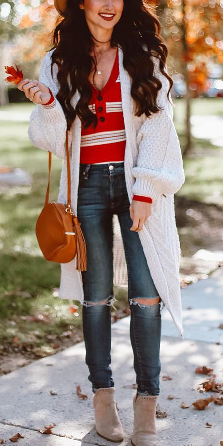 25 Best Extra Nice Winter Outfits to Wear Now.  winter fashion inspiration winter clothes style pretty winter outfits casual winter fashion winter outfits casual #casual #casualstyle #casualoutfits #dresses