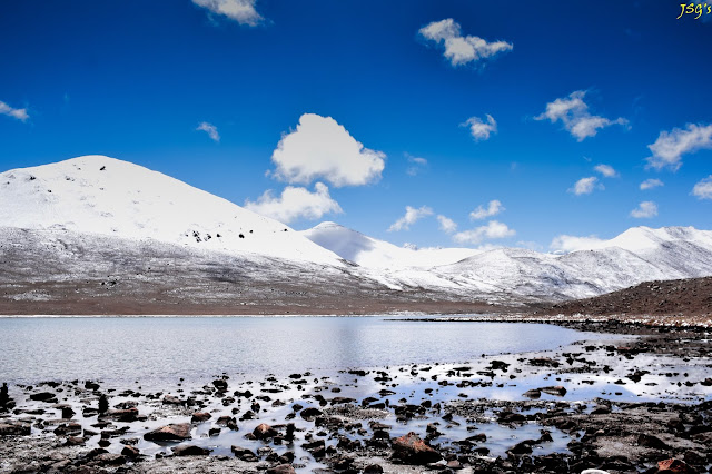 Gurudongmar Lake, the Holy Lake, offer your heartfelt prayers here: Photo by Jayashree Sengupta @DoiBedouin