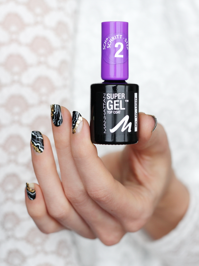 Geode Nails Trend