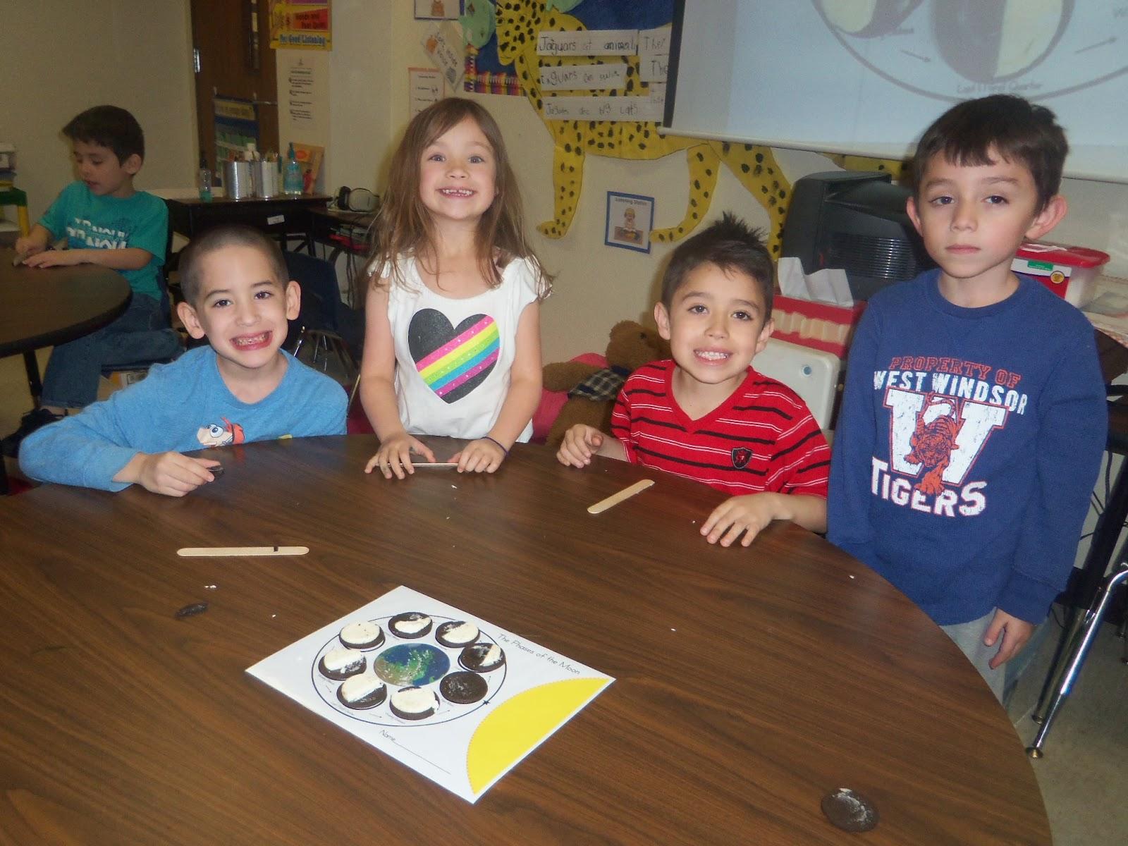 Kinder Garden: Mrs. Wood's Kindergarten Class: Moon Phases