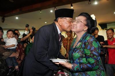 Bpk. sukamdani beserta istri Ibu Juliah Sukamdani
