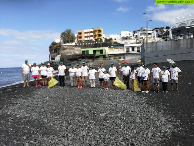 El Remo, Puerto de Naos y La Bombilla se unen en favor de un litoral limpio