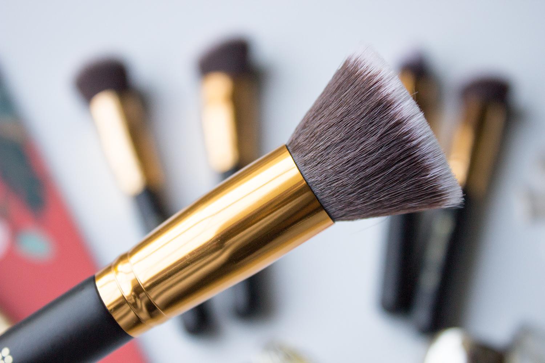 BH Cosmetics Sculpt & Blend Flat Blending Face Brush