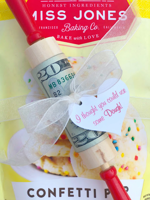 Fun ways to give money for Valentine's Day ~ www.jacolynmurphy.com