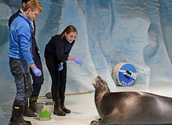 Crown Prince Haakon and Princess Ingrid Alexandra visited Polaria Arctic Aquarium in Tromsø.