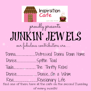 http://inspirationcafeic.blogspot.com/2013/11/junkin-jewels-tuula-from-thrifty-rebel.html