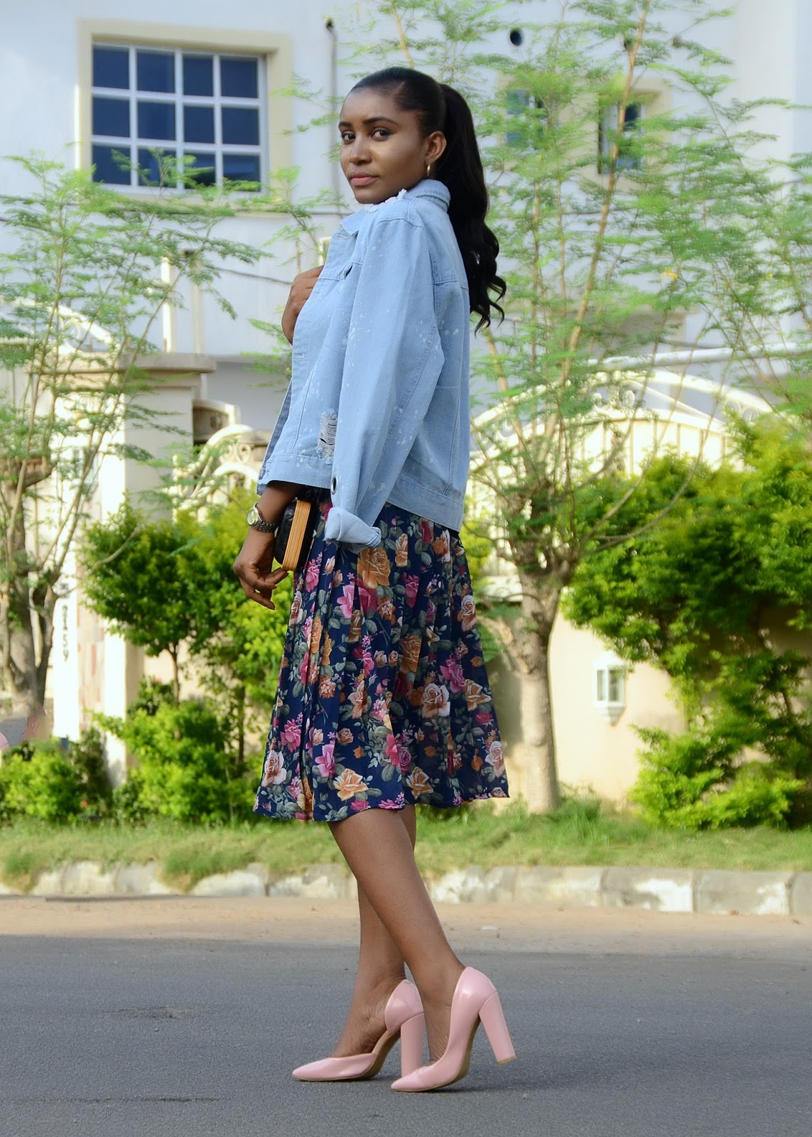 statement neckpiece, denim jacket, pleated floral skirt, block heels, box clutch - dafashionfreak