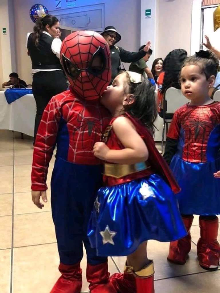 Today's Photo - April 1, 2019 : Spider-Girl stolen her Boyfriend / 恋人を盗られたショックを隠せないスパイダーガール😨