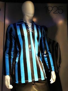Uniformes do Grêmio - Camisa Azul e Preta (1925)