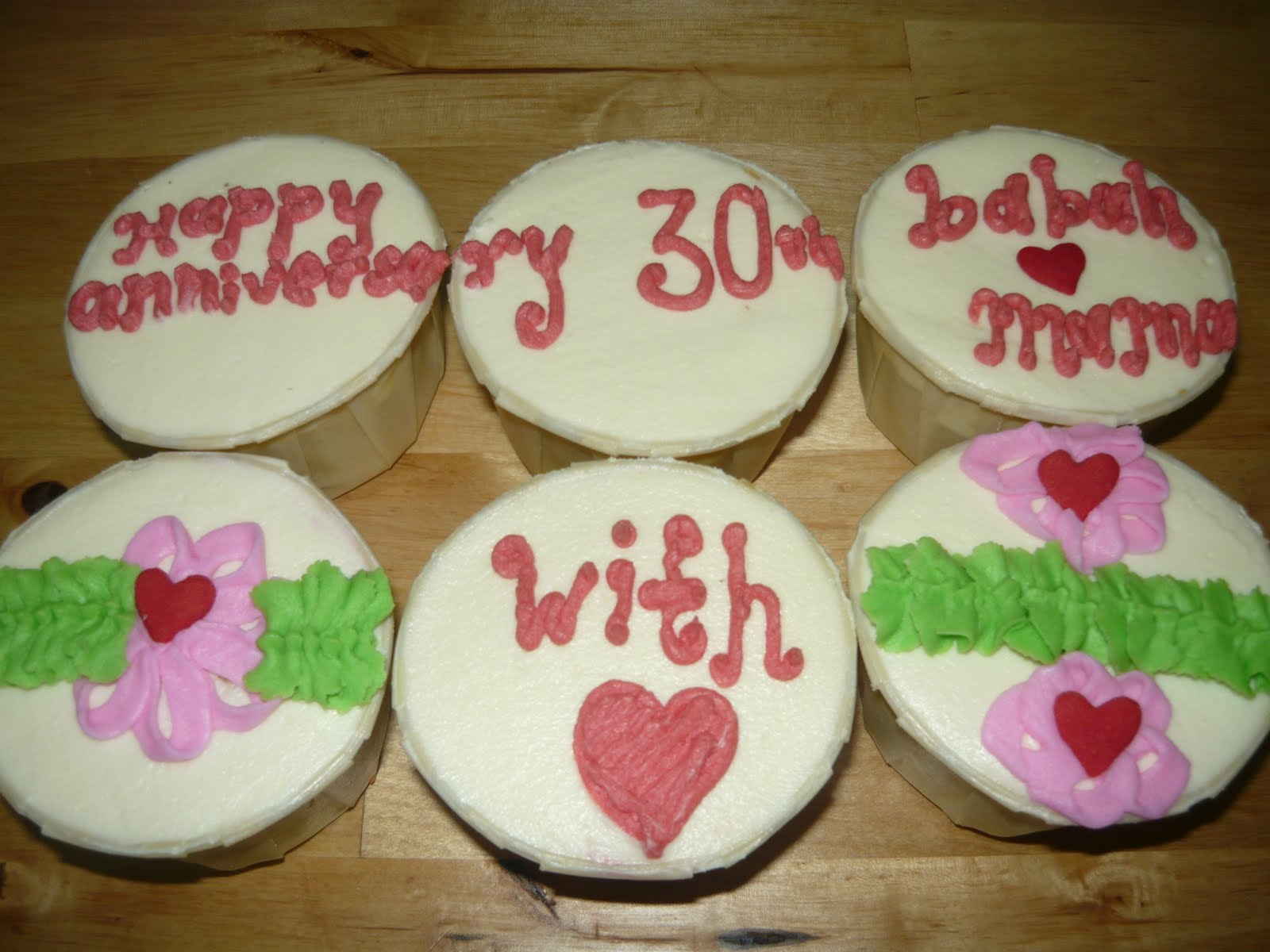 Aleesa S Cup Cakes Happy Anniversary To Babah Mama