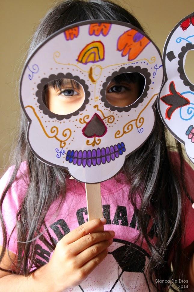 La máscara para la persona de las arrugas de la arcilla rosada