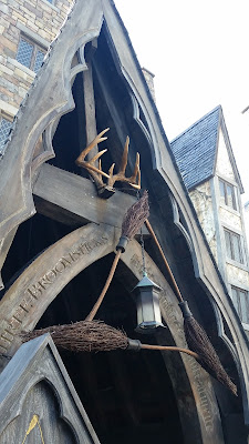 Three Broomsticks entrance