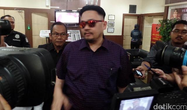 Farhat Abbas Daftar Jadi Bakal Cagub DKI PDIP